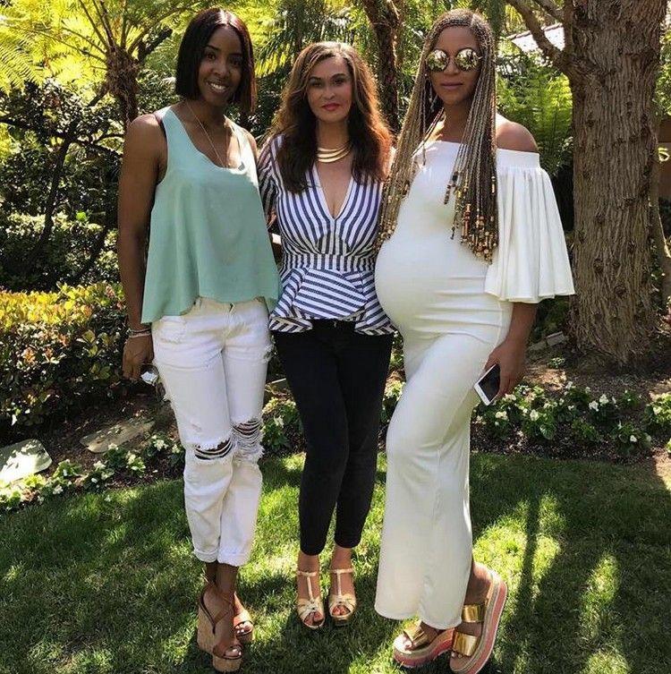 Beyoncé viert Pasen met Kelly en Tina