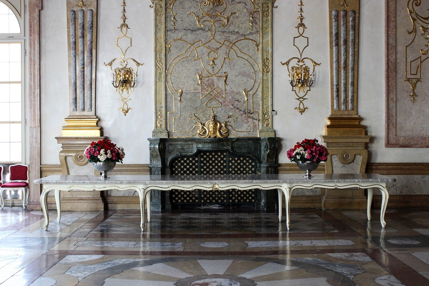 De Marble Hall in Schloss Mirabell