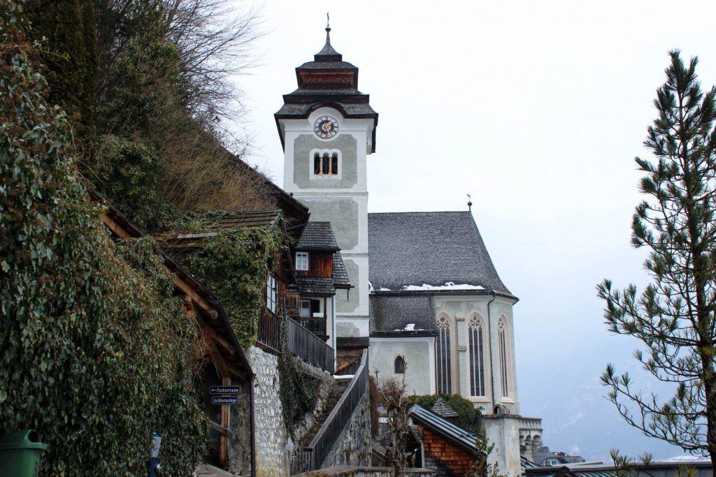 De Katholieke Pfarrkirche in Hallstatt