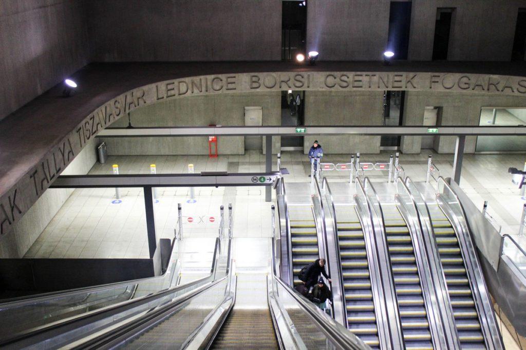 Metrostation Rákóczi tér in Boedapest