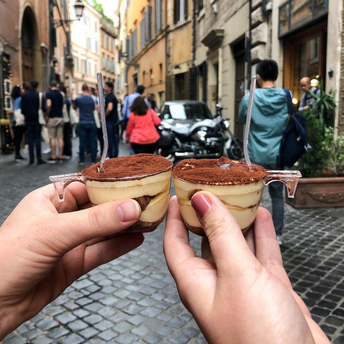 Tiramisu eten bij Two Sizes in Rome