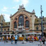 De voorkant van de Centrale Markthal in Boedapest