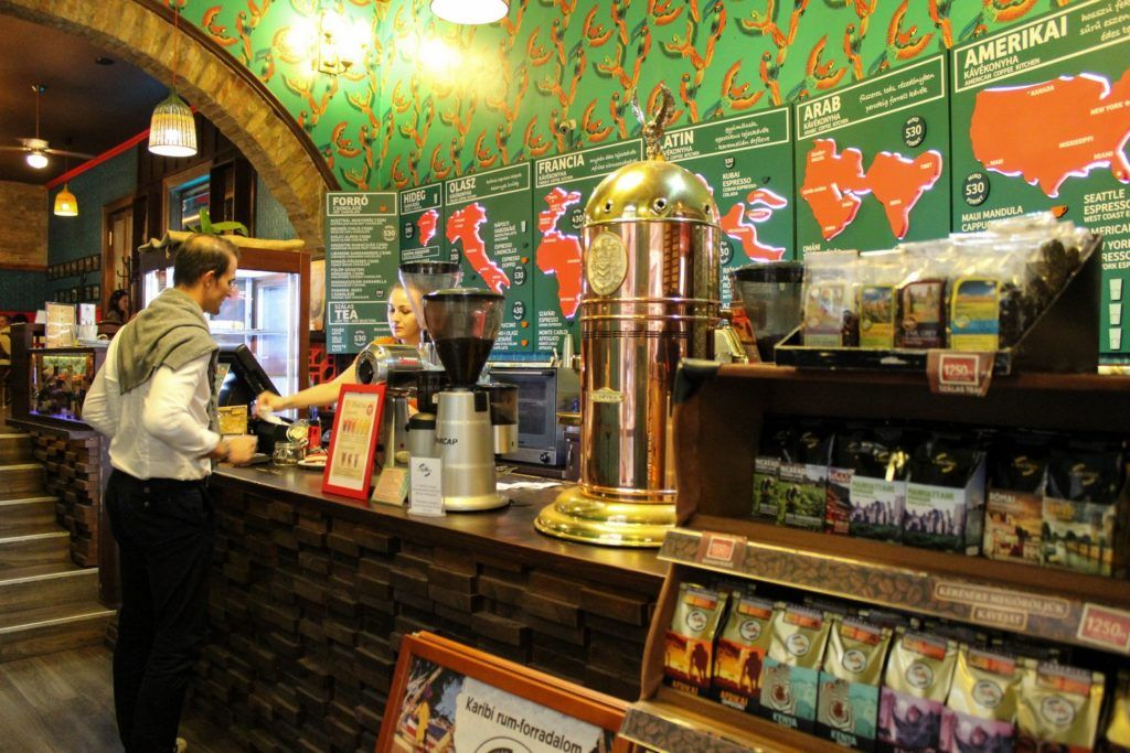 Koffie drinken bij Cafe Frei in Boedapest