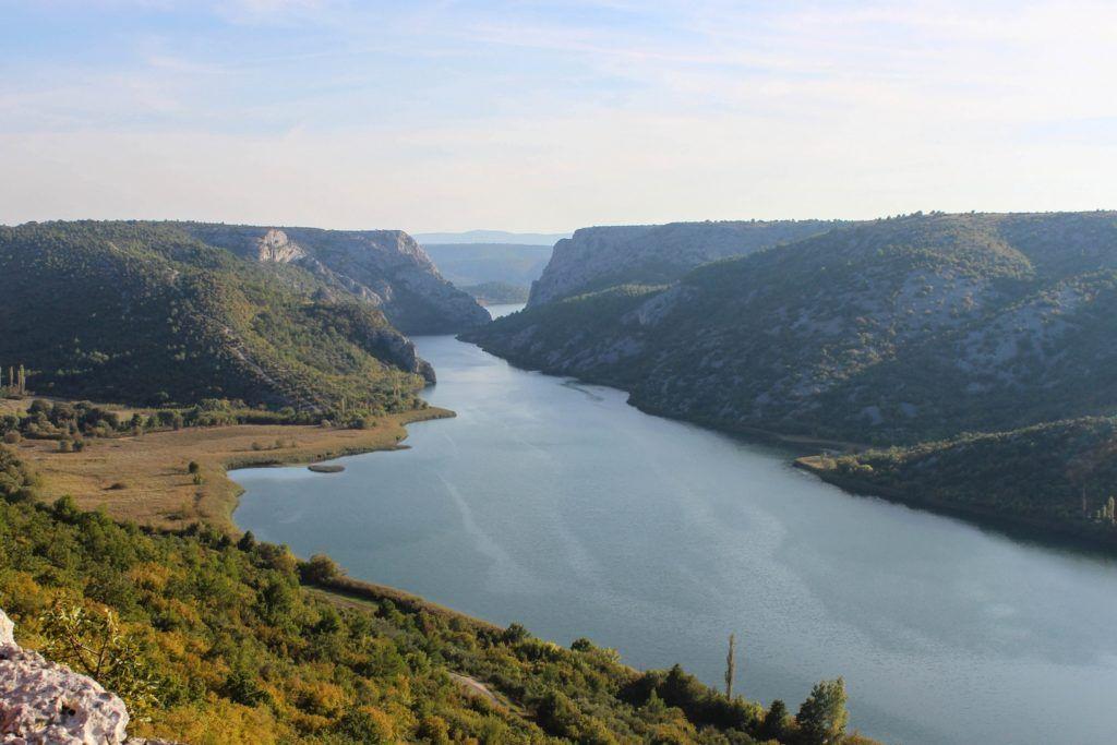 Het uitzicht vanaf Roški Slap in Nationaal Park Krka