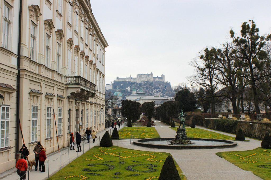 De paleistuin van Schloss Mirabell in Salzburg