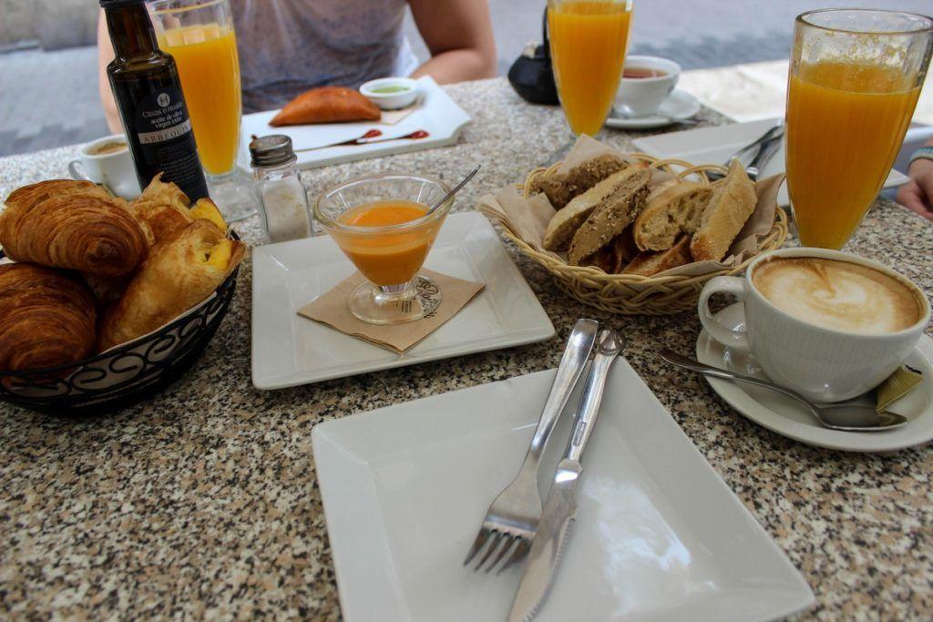 Ontbijt bij La Rollerie in Valencia