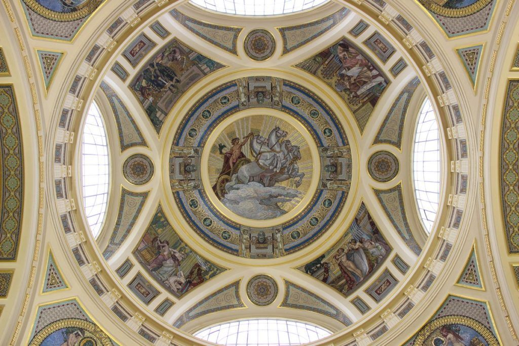 Het platfond in het Széchenyibadhuis