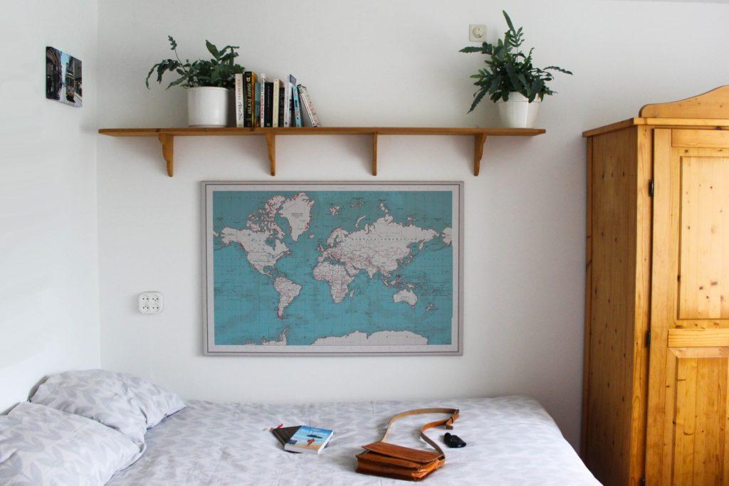 Wereldkaart boven m'n bed