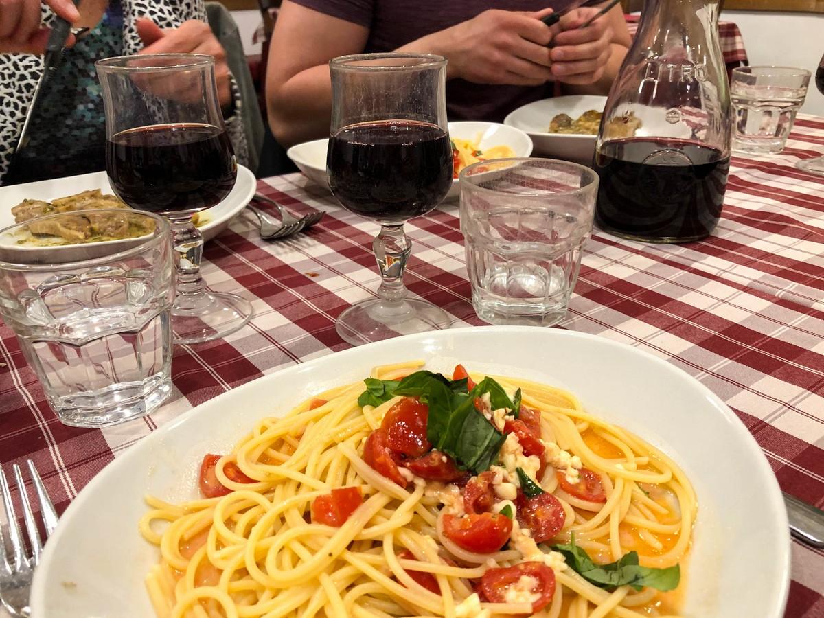 Trattoria Pizzeria Vecchi Sapori in Rome